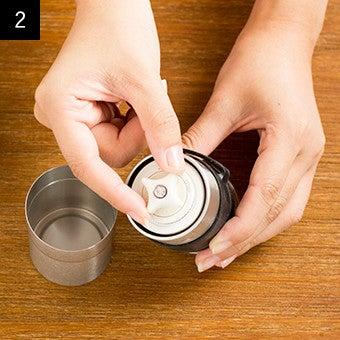 おすすめ手動コーヒーミルの使い方2