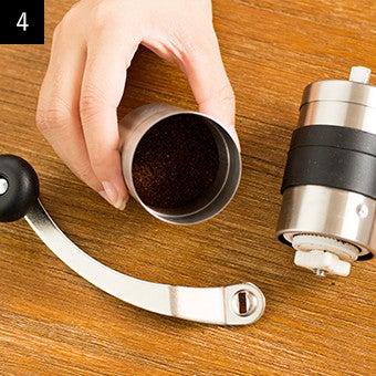 おすすめ手動コーヒーミルの使い方4