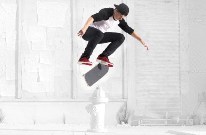 スケートボードをしている画像