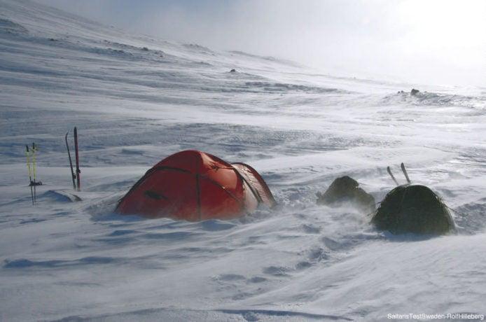 雪の中のヒルバーグテント
