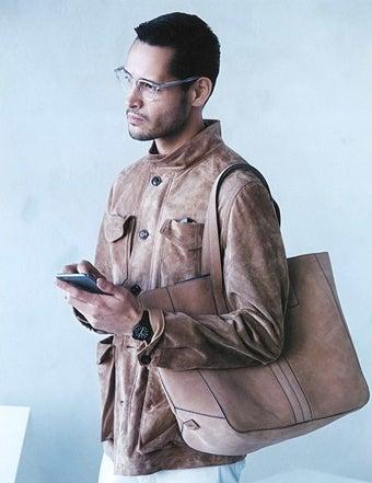 タイメックスキャンパーを着用している男性