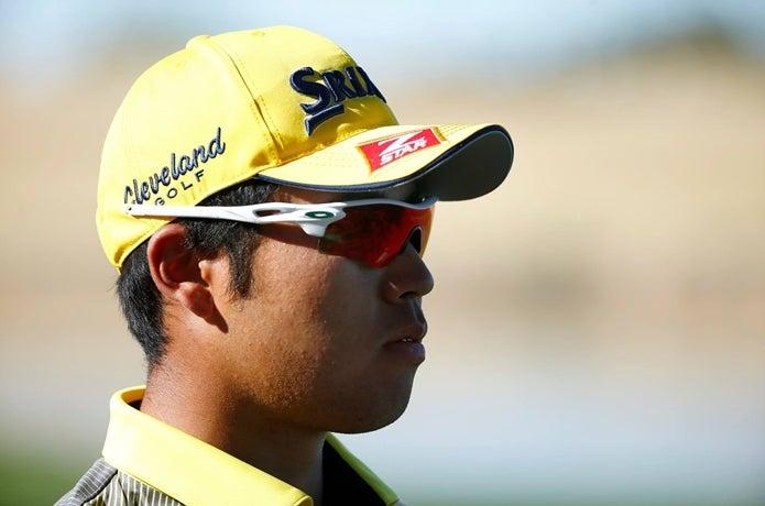 オークリーのサングラスをかけたゴルフ選手