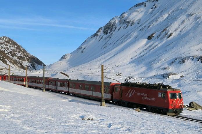 マッターホルンへ向かう列車