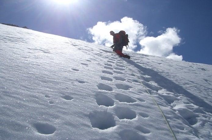 冬にマッターホルンに登る人