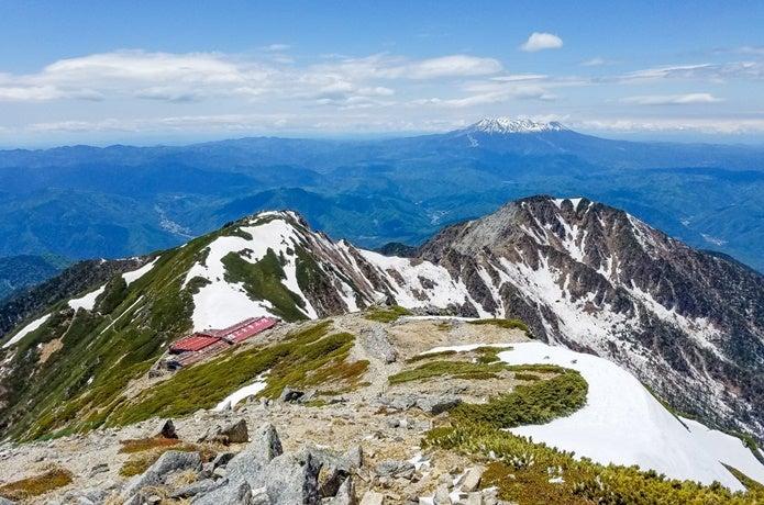 頂上木曽小屋と御嶽山