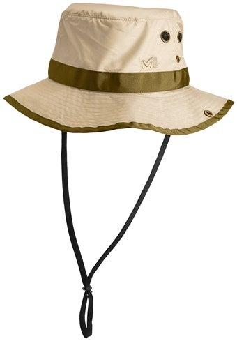 つばの広いUVカット帽子
