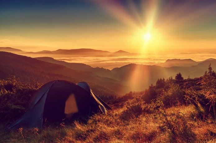 テント泊は絶景が見られる!