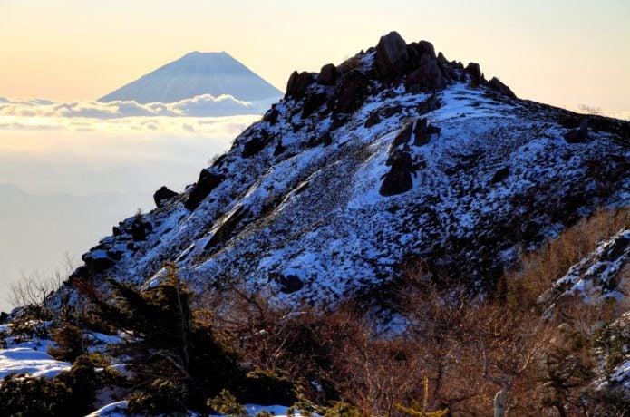 薬師岳と富士山の画像