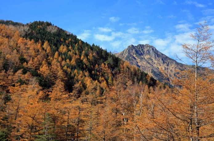 牛首山と赤岳の画像