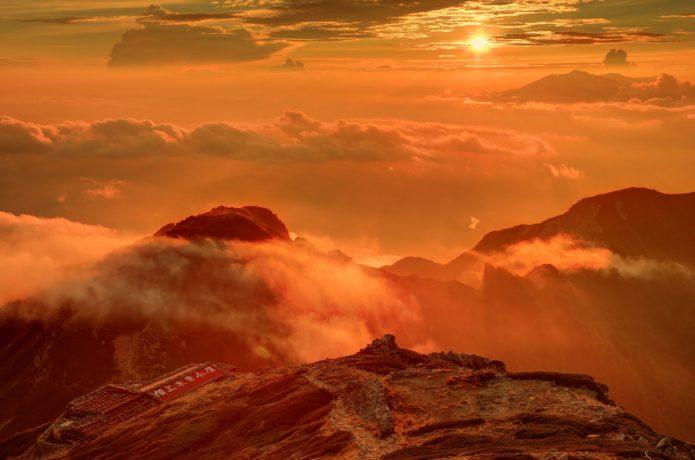夕日の宝剣岳