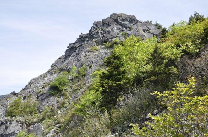 乾徳山岩峰