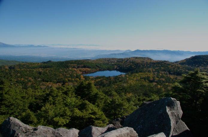高見石から見た白駒池の画像