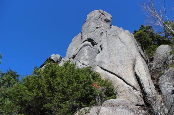 瑞牆山の大ヤスリ岩の画像