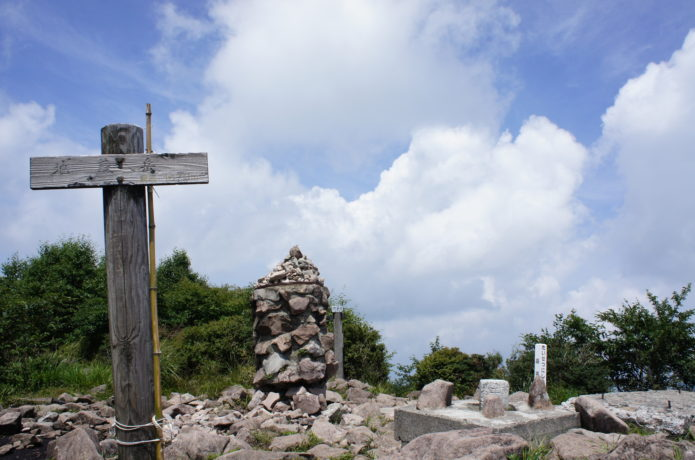 地蔵岳山頂の画像