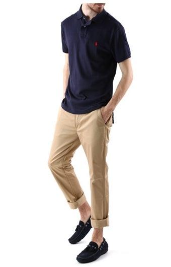 ラルフローレンのポロシャツを着た男性のコーデ画像