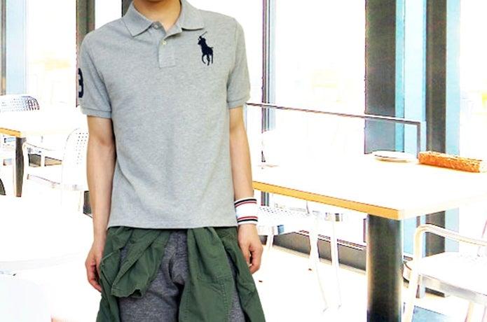 ラルフローレンのポロシャツを着た男性の画像
