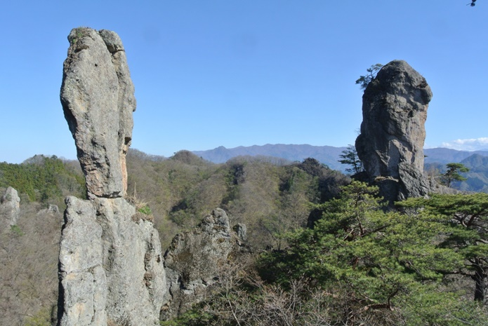 ジジ岩ババ岩