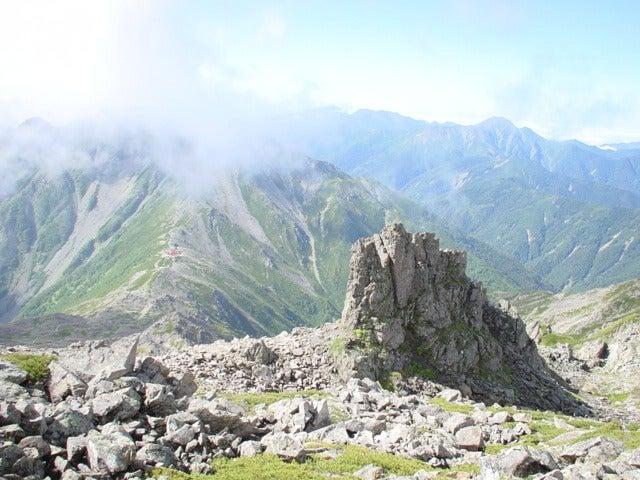 間ノ岳から農鳥岳方面