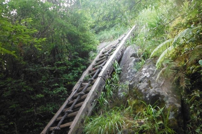 開聞岳のはしご写真