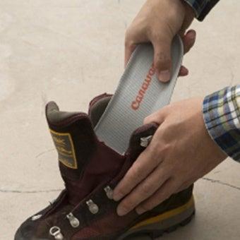 グランジャーズを使って登山靴を洗っている画像