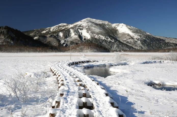 冬の至仏山