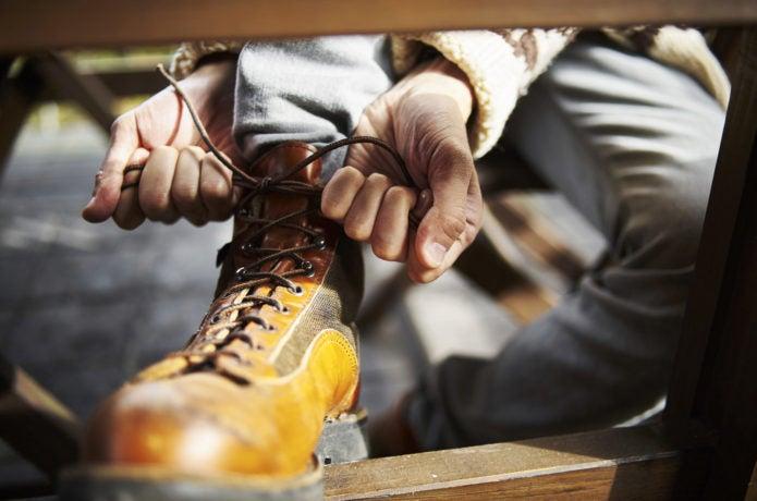 登山靴を履いている画像