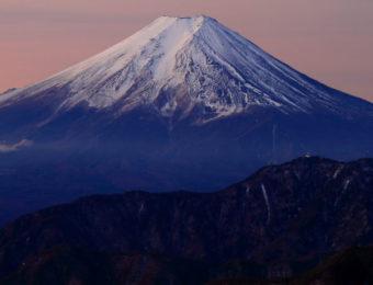 雁ヶ腹摺山から見た富士山