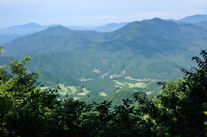 三国山から望む展望