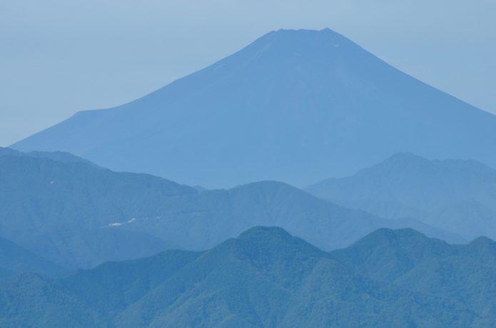 生藤山から望む富士山の画像