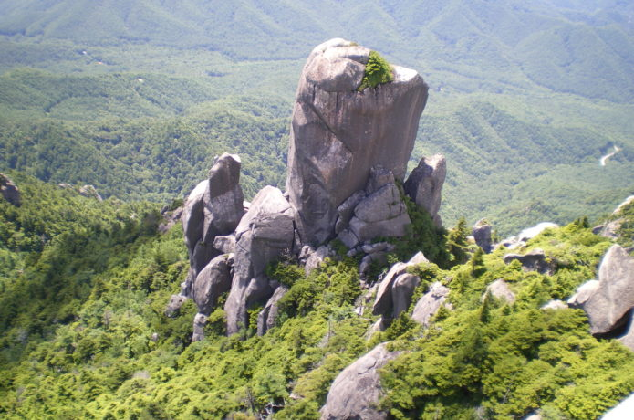 瑞牆の大ヤスリ岩