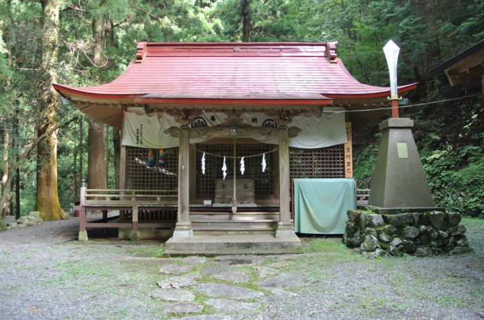 軍刀利神社の画像