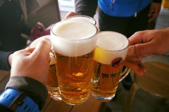 涸沢小屋ビールで乾杯