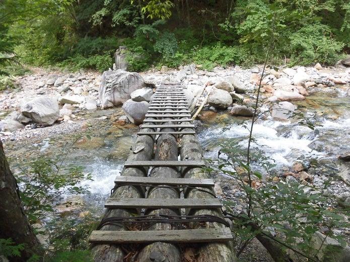恵那山の丸太橋