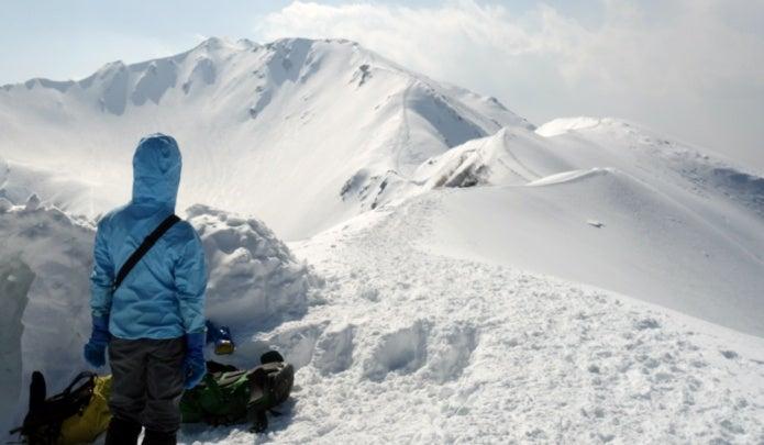 ファイントラックのレインウェアを着て雪山登山