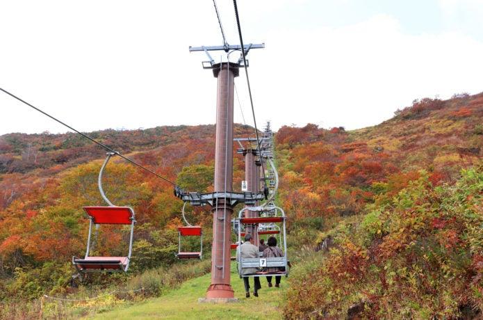 谷川岳 リフトと紅葉