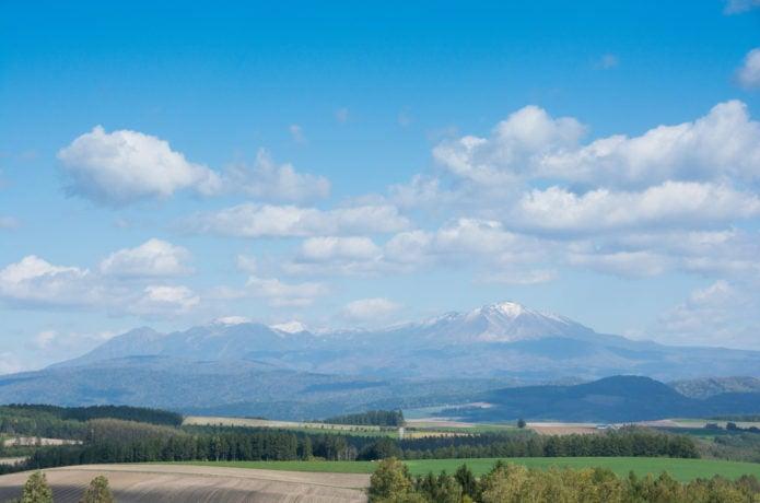 麓から見る大雪山