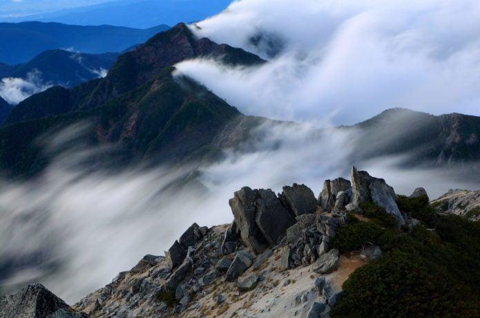 甲斐駒ヶ岳から見た鋸岳