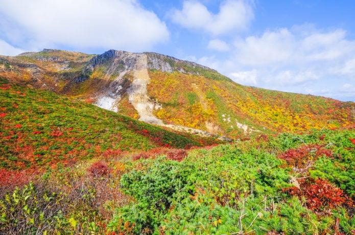 紅葉の鉄山