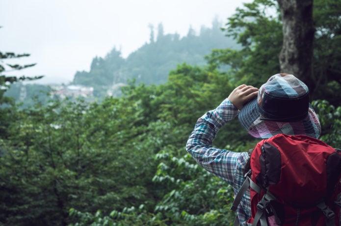 登山をしている人