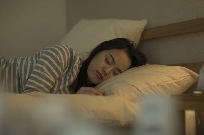 高山病予防にぐっすり睡眠をとる人