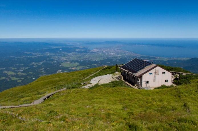 大山の山頂小屋