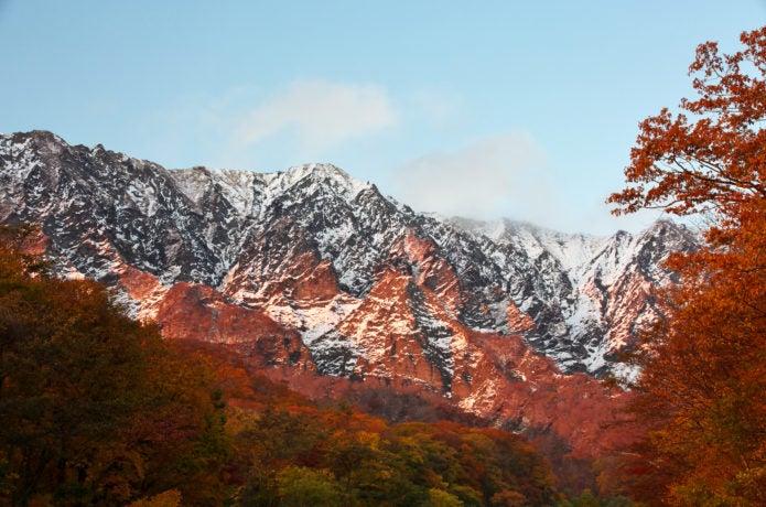 雪化粧と紅葉の大山