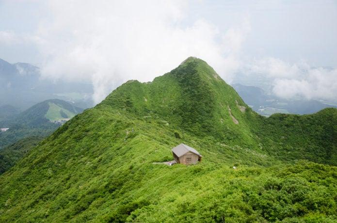大山のユートピア小屋