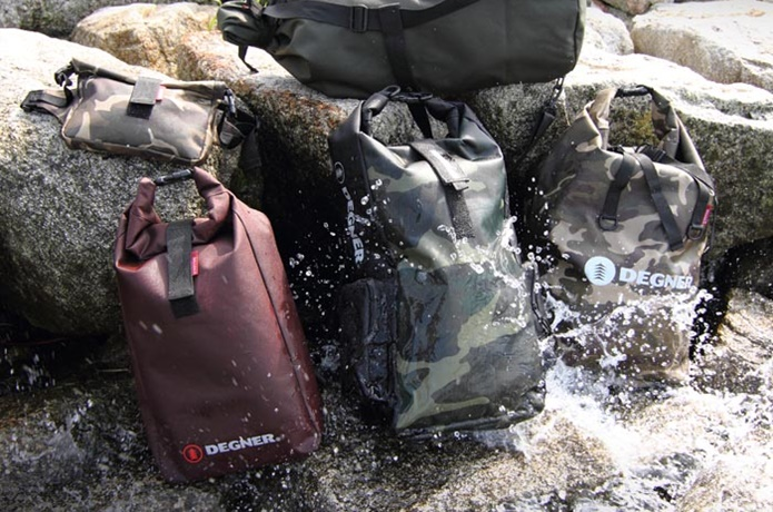 防水のバックパック
