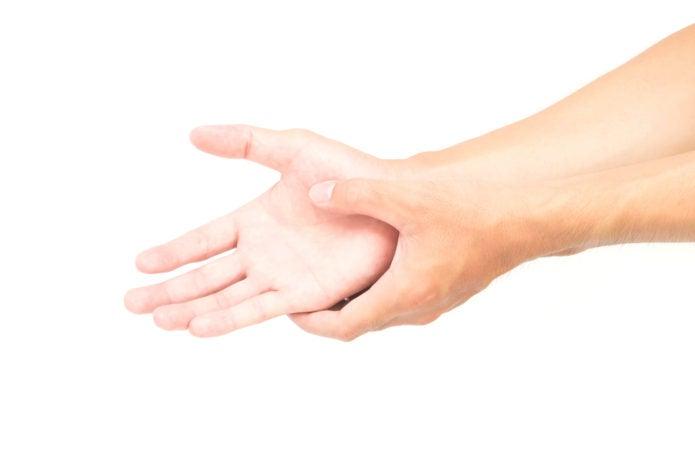 手首が痛そうな手