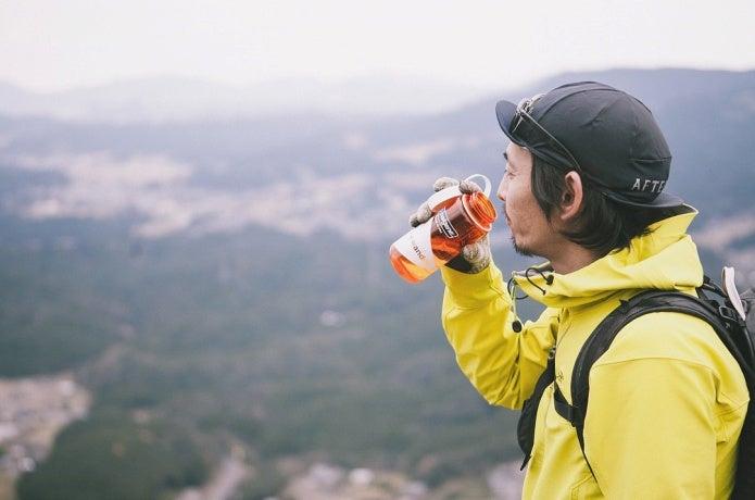 """喉が乾いてからではダメ!? 登山中の""""水分補給""""にまつわる疑問をプロガイド&医師が解説!"""