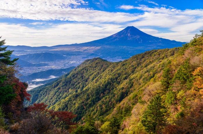 山梨の登山コース15選!日帰りで登れる人気の山まとめ【エリア別】